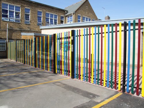 Round & Notched Palisade, Available in a variety of RAL Colours